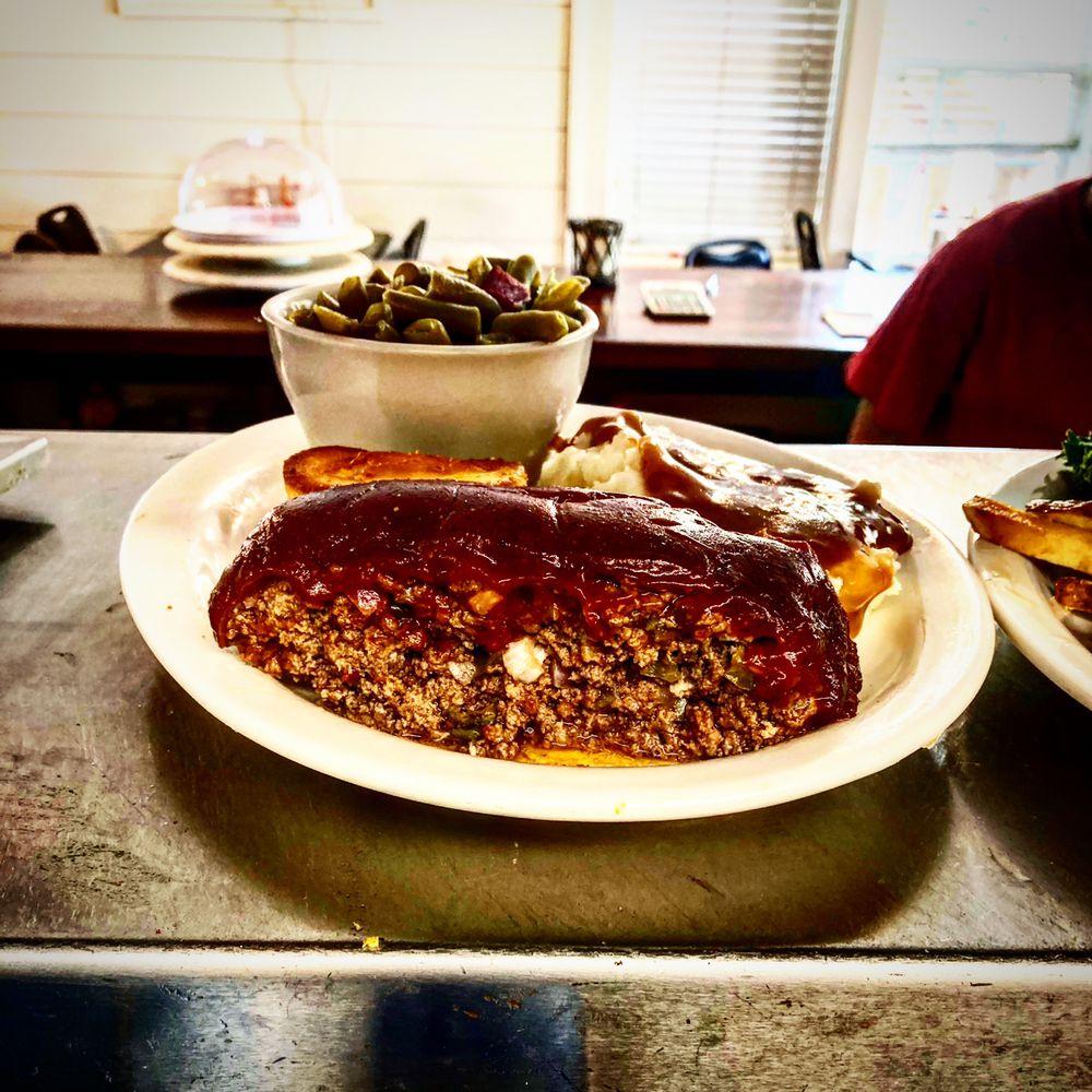 Junction Inn Restaurant: 107 Highway 57 W, Grand Junction, TN