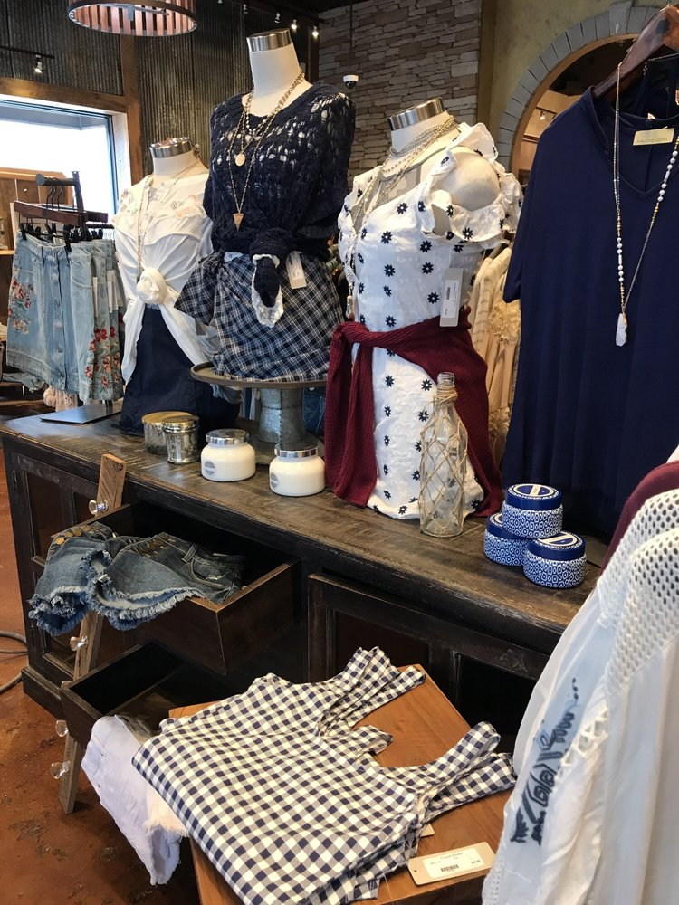 Lizard Thicket Boutique