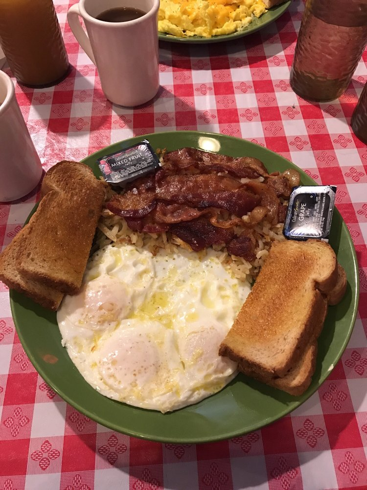 Candie's Corner Cafe: 52278 Duncan Ave, Hubbell, MI