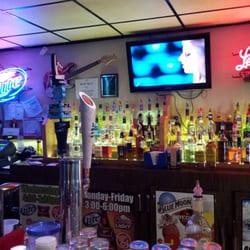 Larson s bar 20 reviews bars 713 stone st monroe for Cuisine 1300 monroe mi