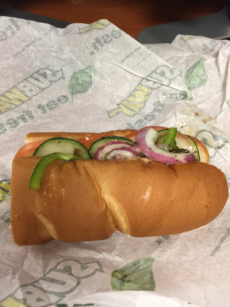 Subway: 3236 N Rock Rd, Wichita, KS