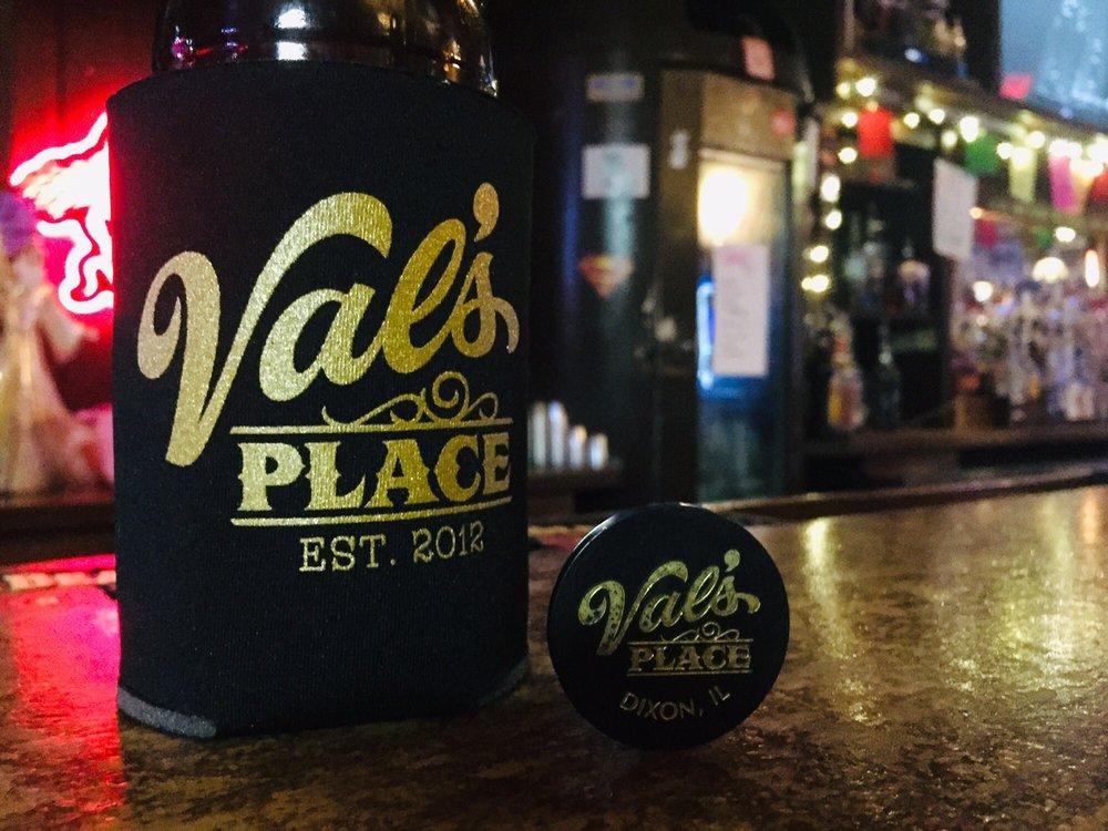 Val's Place: 316 W 1st St, Dixon, IL
