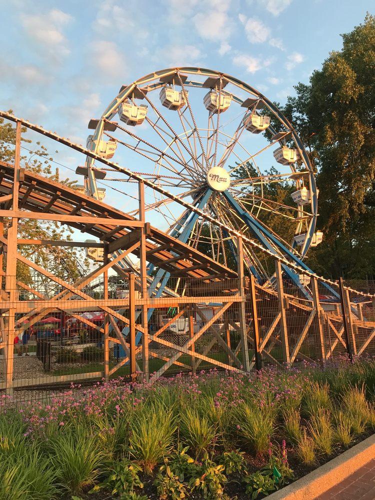 Arnolds Park Amusement Park: 243 W Broadway St, Arnolds Park, IA