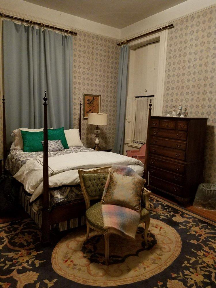 Hillard House Inn: 58 W River St, Wilkes Barre, PA