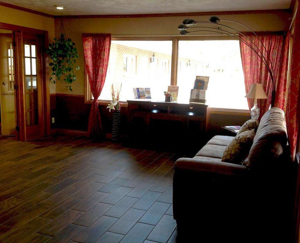 Americas Best Value Inn York: 2426 South Lincoln Avenue, York, NE