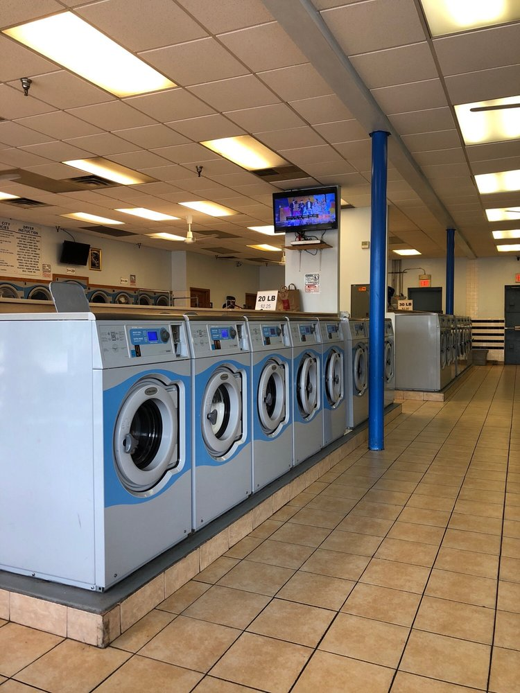 Best Wash Laundromat: 785 45th Ave NE, Hilltop, MN