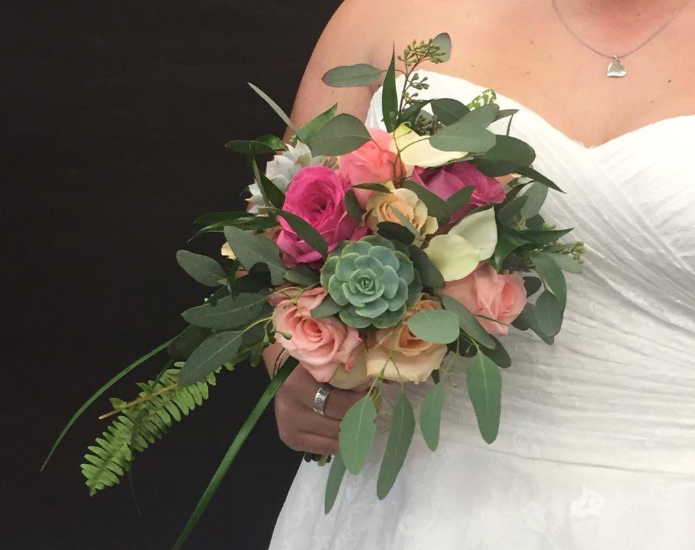 House of Flowers & Gifts: 608 Burnett St, Wichita Falls, TX