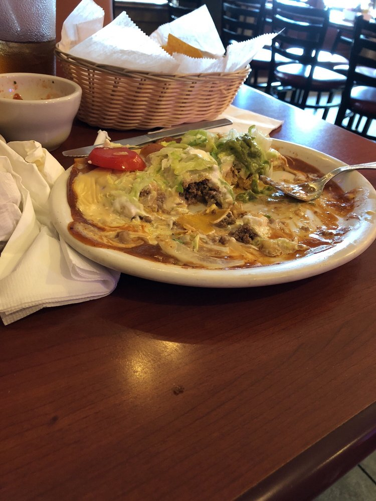 Compadres Mexican Grill: 158 Gholston St, Comer, GA