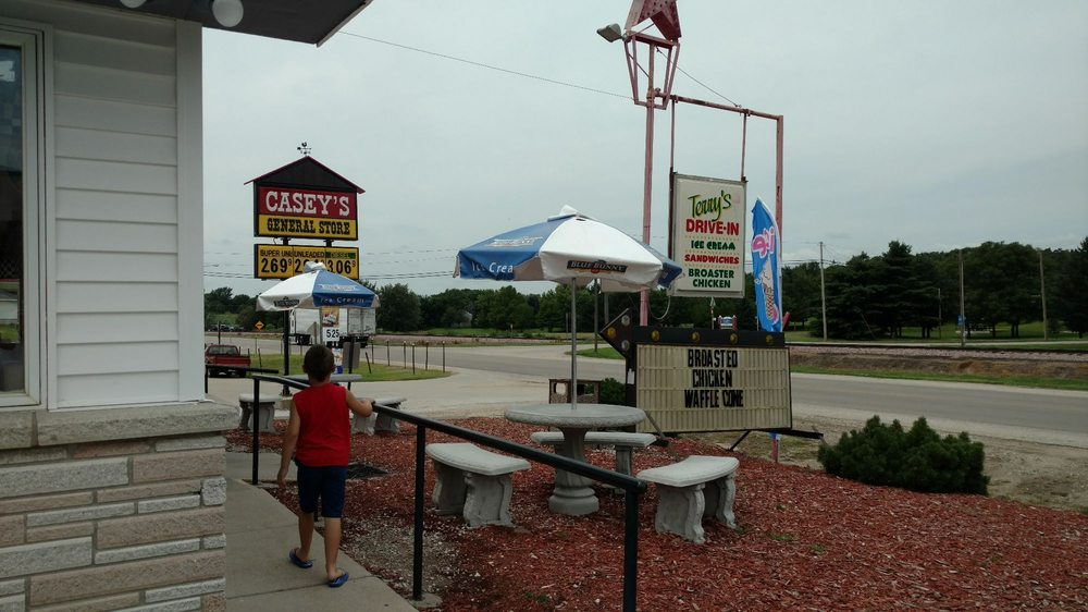 Terry's Drive-In Broaster Chicken: 411 Hwy 81-92, Osceola, NE