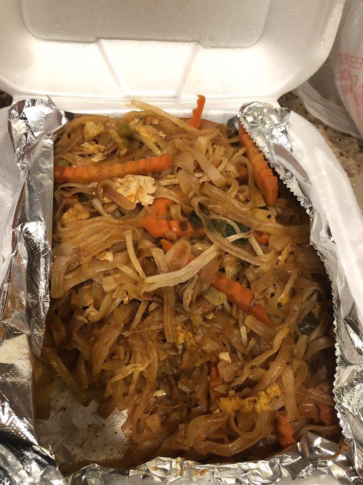 Win Thai Cuisine: 1151 N Euclid St, Anaheim, CA