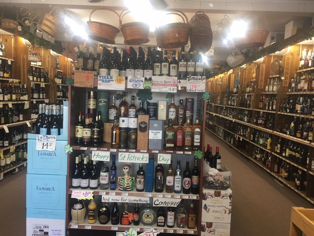 Houdek's Spirit Shoppe: 844 Montauk Hwy, Bayport, NY