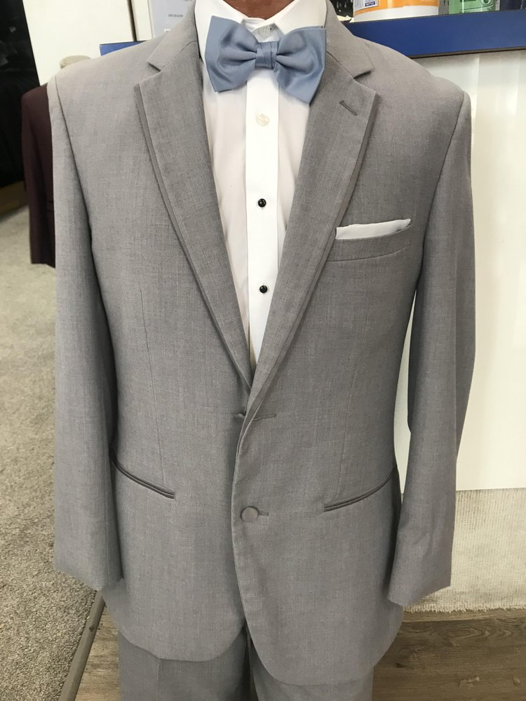 Schraders Tuxedo Rental and Drycleaners: 46 N Fort Thomas Ave, Fort Thomas, KY