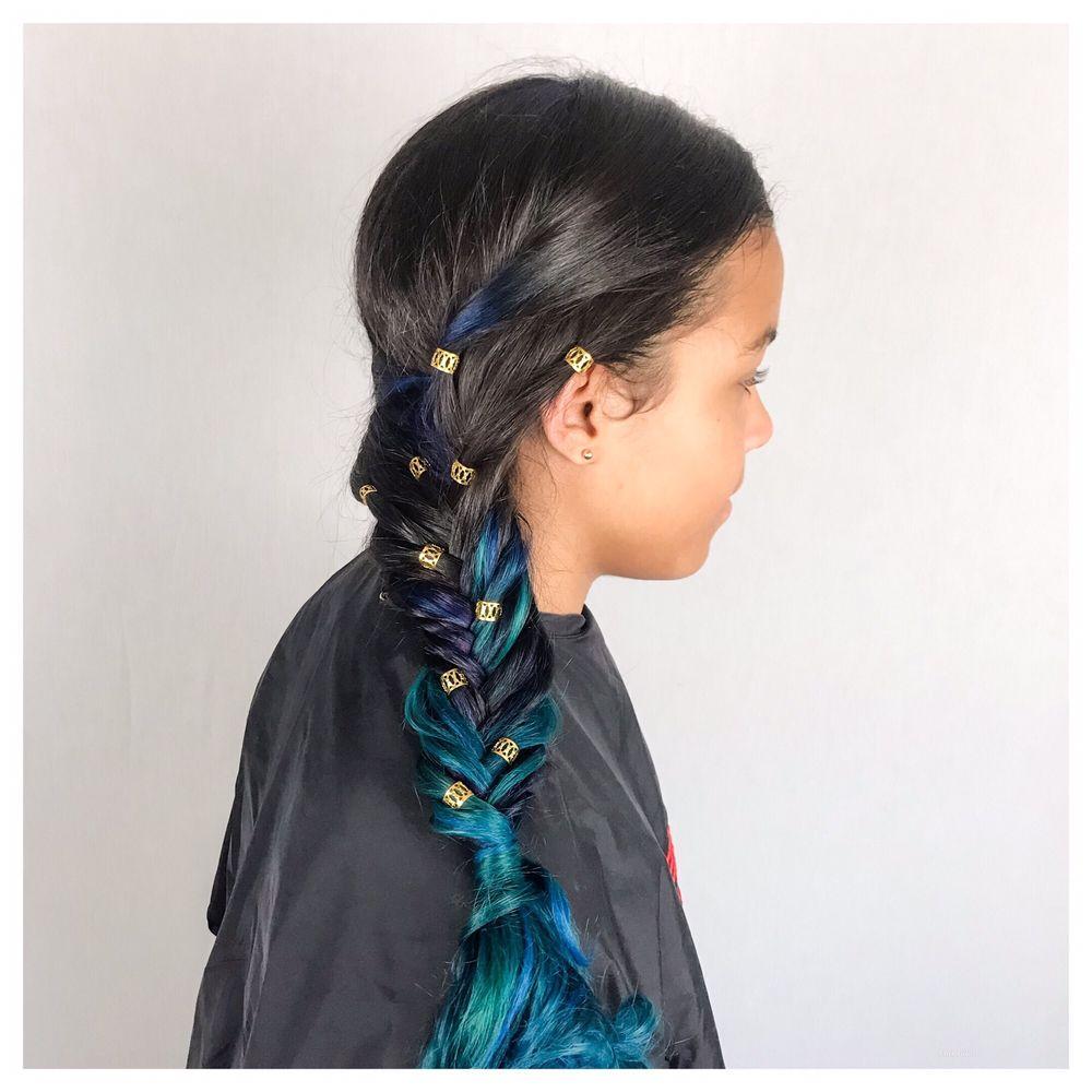 Diva's Retreat Hair Salon: 12512 Horseshoe Bend Cir, Clarksburg, MD