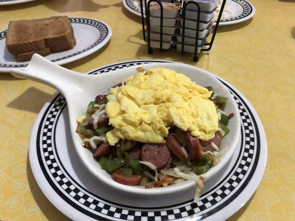 Flag City Diner: 9498 Lapeer Rd, Davison, MI