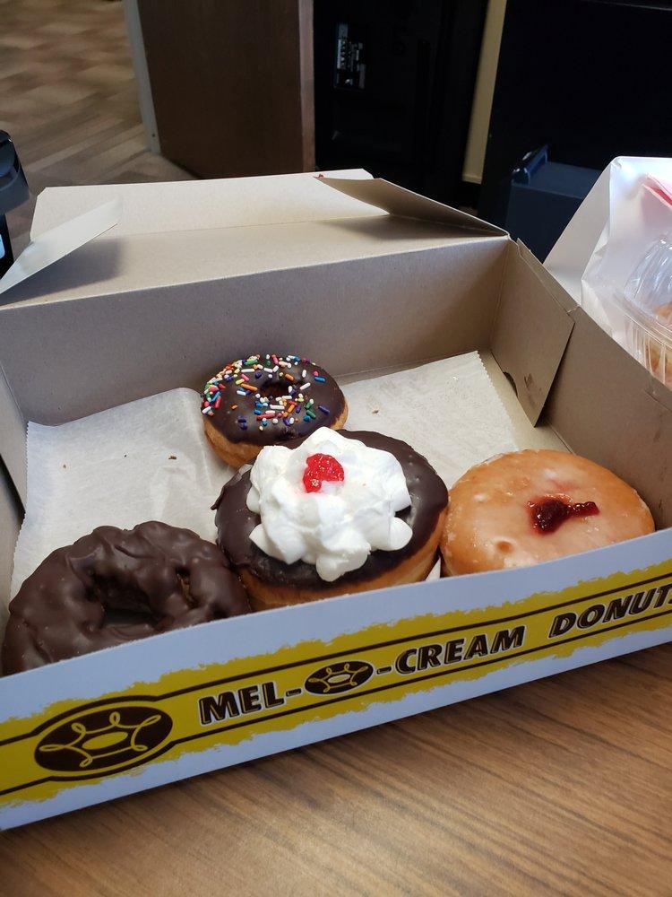 Mel-O-Cream Donuts: 525 N Grand Ave W, Springfield, IL