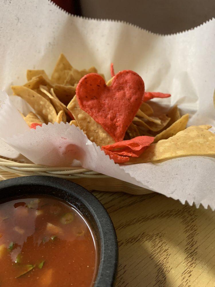 Los Reyes Mexican Grill & Seafood: 257 E Elm St, Coalinga, CA