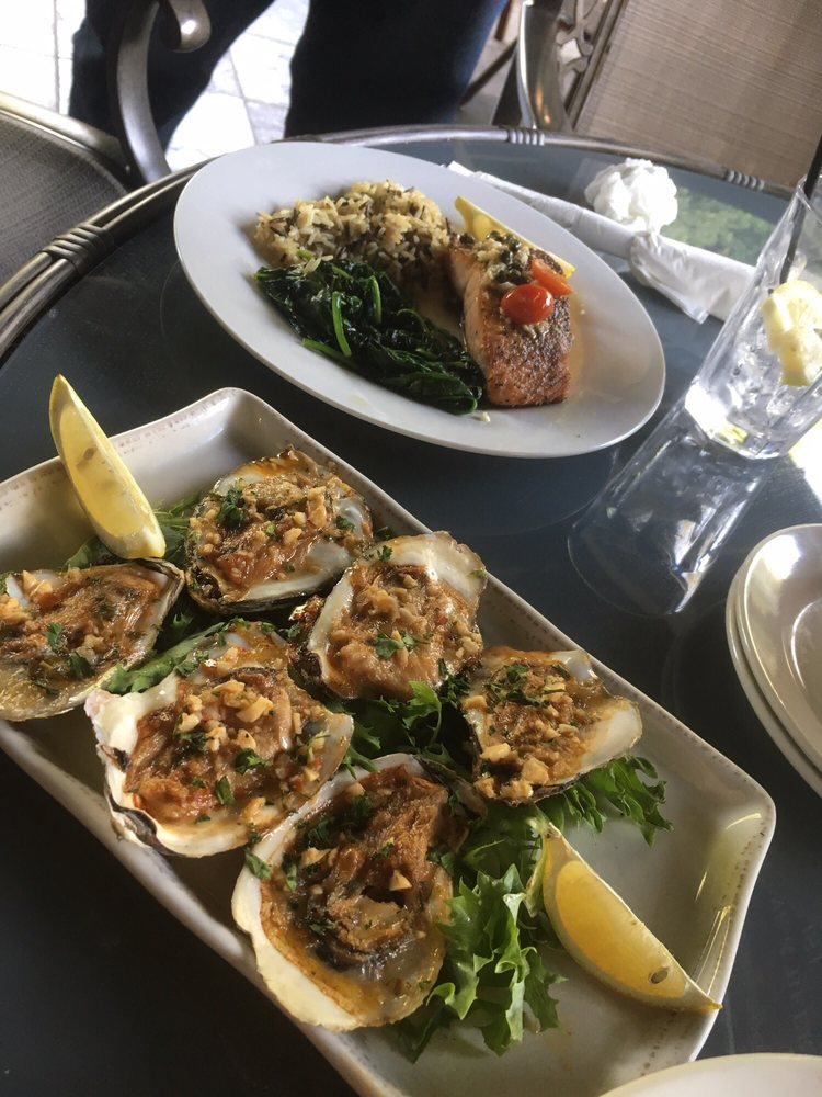 The River's Edge Restaurant: 17525 Sonora Rd, Knights Ferry, CA