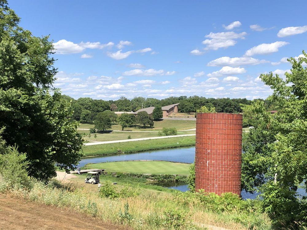 Oak Country Golf Course: 8800 Scott Dr, De Soto, KS