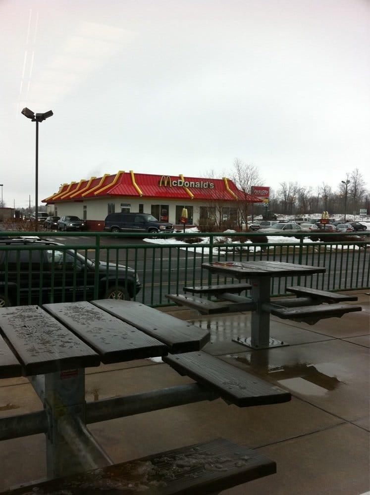 McDonald's: 2200 Glacier Rd, St. Croix Falls, WI
