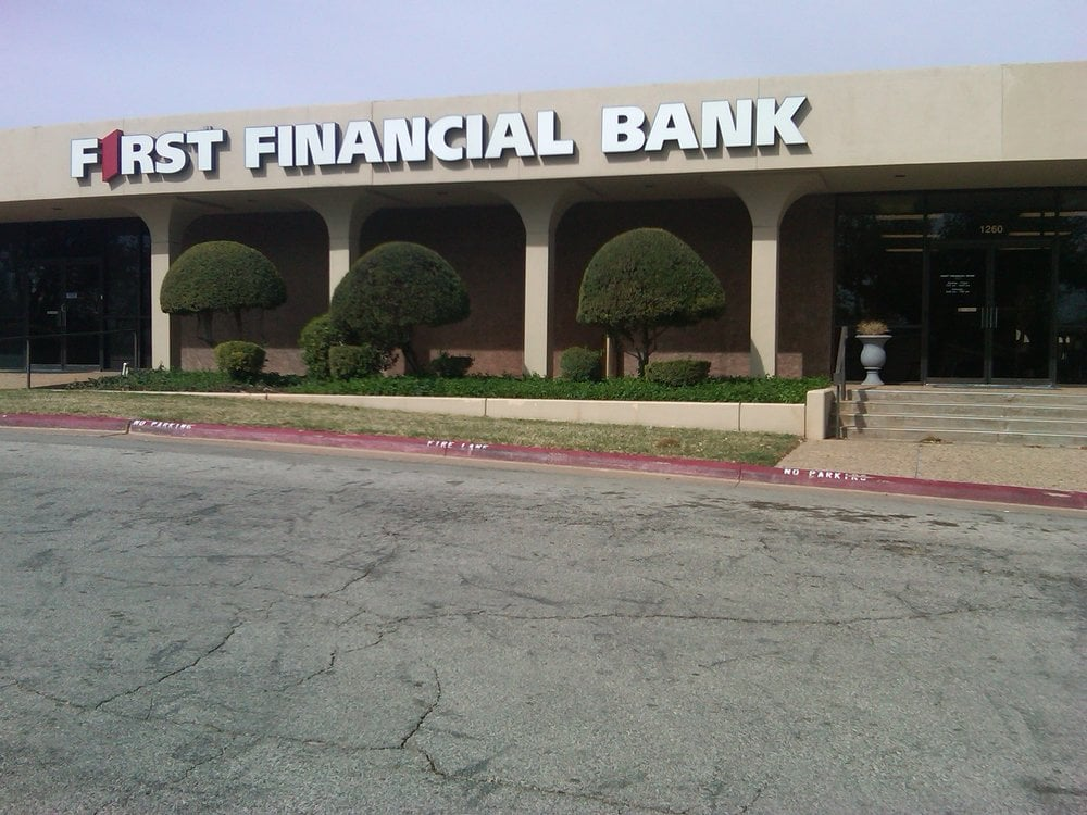 First Financial Bank Banks Amp Credit Unions 1345 Barrow