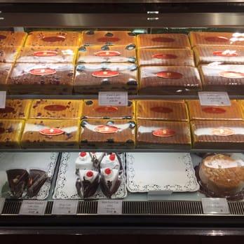 Bengawan Solo Pandan Cake Review