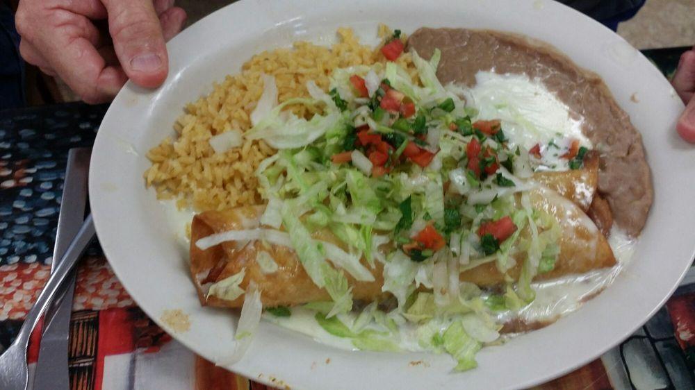El Paisaje Mexican Grill: 142 Webster Dr, Blaine, TN