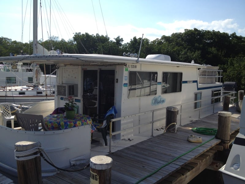 Keys houseboat rentals boat charters 107900 overseas for Houseboats for rent in california