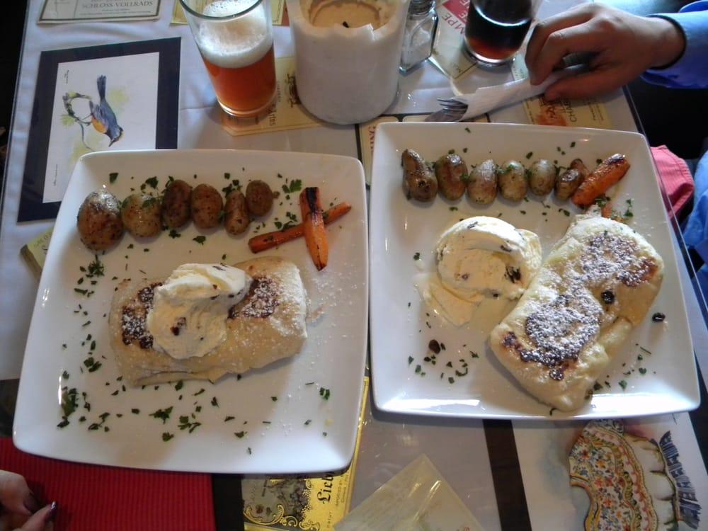 Sobremesa Art Gallery & Restaurant: 4TA Calle Oriente, Miami, FL