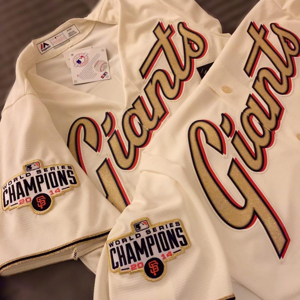 Giants Dugout 171 Photos 145 Reviews Sports Wear