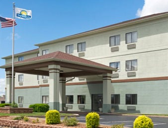 Days Inn by Wyndham Collinsville