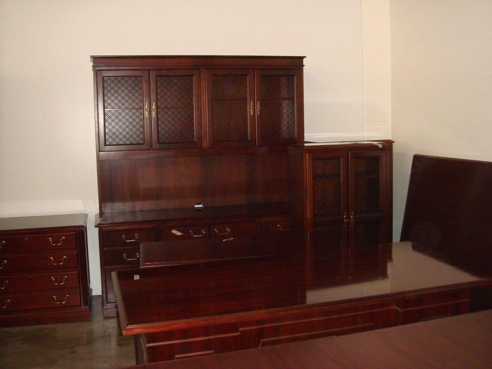 sold cherry veneer desk set with hutch straight desk 2 bookcases credenza executive desk. Black Bedroom Furniture Sets. Home Design Ideas