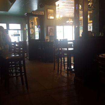 Mos irish pub downtown milwaukee