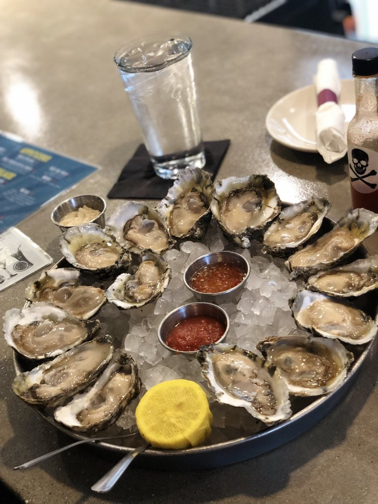 Fuller's Raw Bar: 38 E Mellen St, Hampton, VA