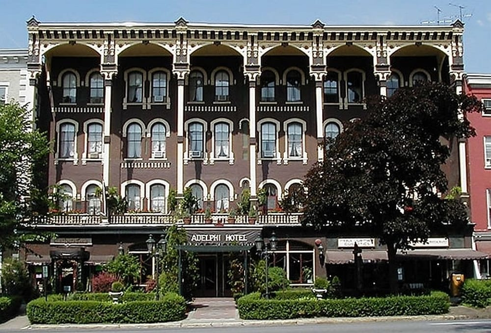 The historic adelphi hotel in downtown saratoga springs for Hotels saratoga springs new york