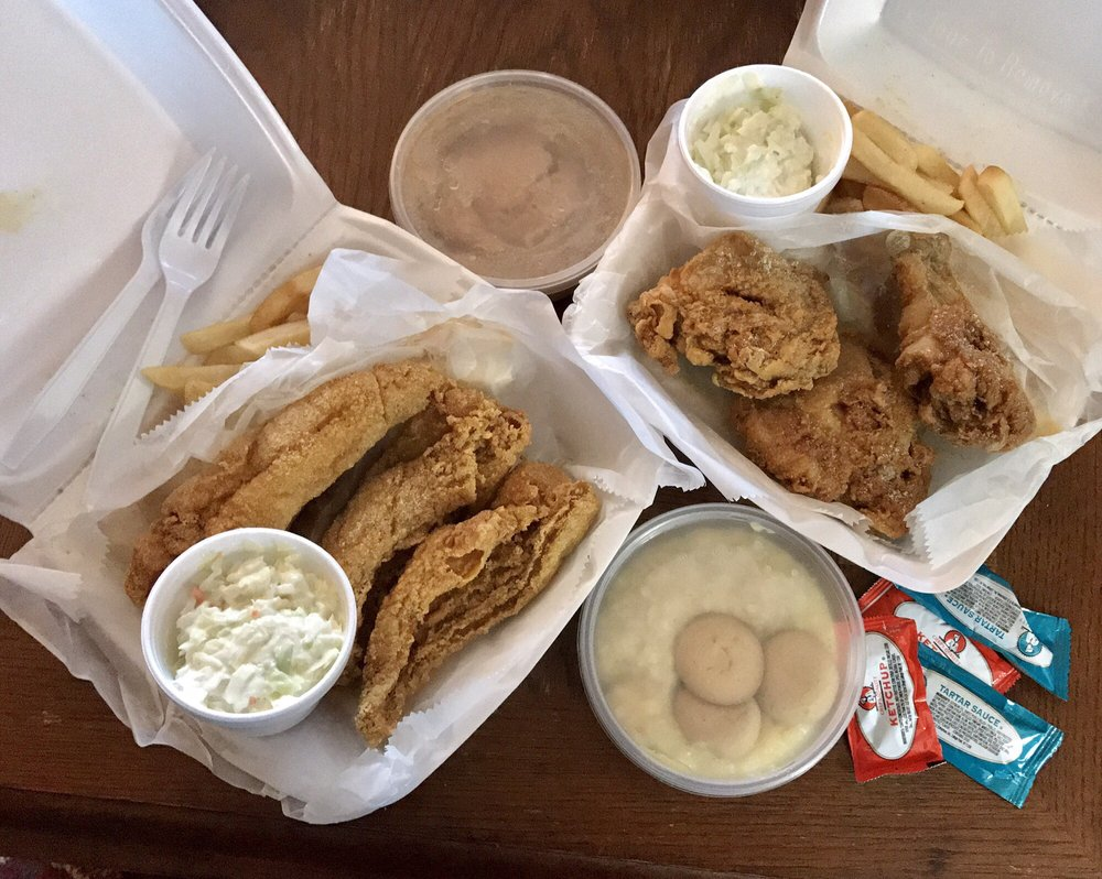 Sharks Fish and Chicken: 5256 Salem Ave, Trotwood, OH