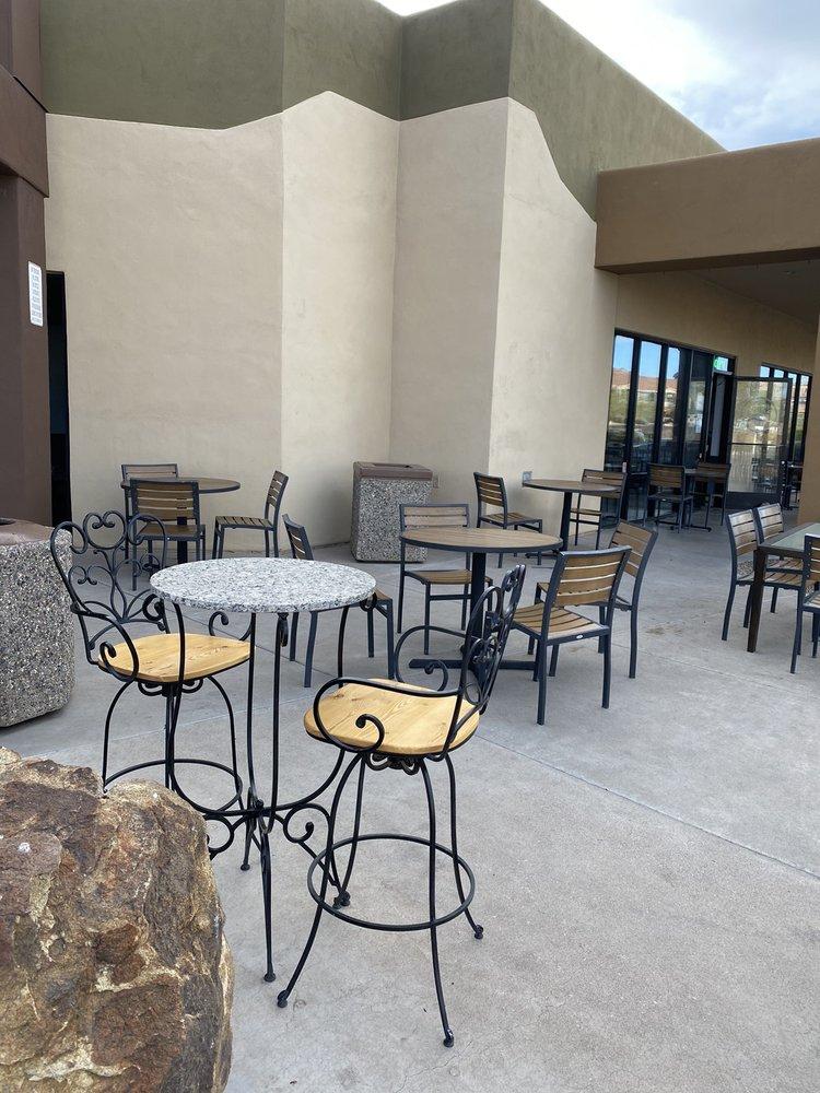 Sipps Eatery: 16425 E Palisades Blvd, Fountain Hills, AZ