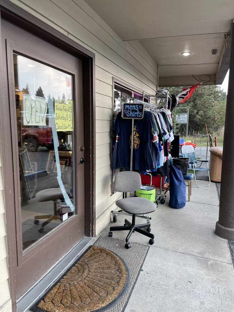 Reloved Thrift Store: 7995 MT-35, Bigfork, MT