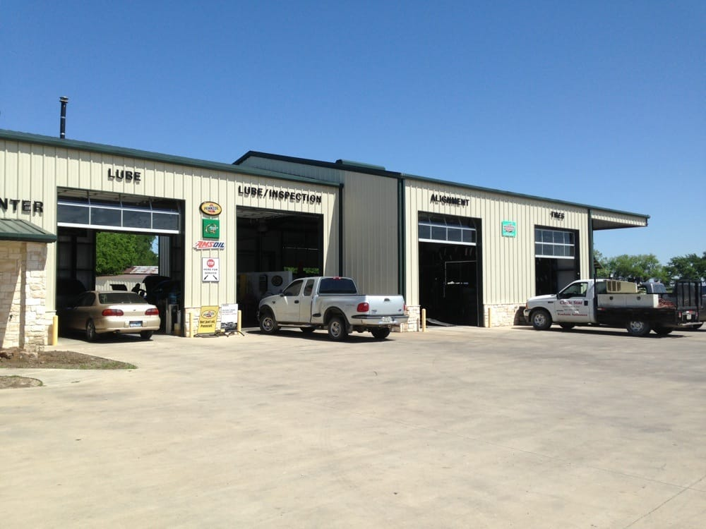 Circle Star Quick Lube & Tire: 296 NW Hwy 69, Leonard, TX