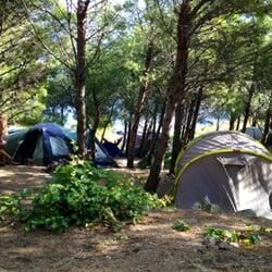 camping municipal de cerbere campings r sidence le village des alo s cerb re pyr n es. Black Bedroom Furniture Sets. Home Design Ideas