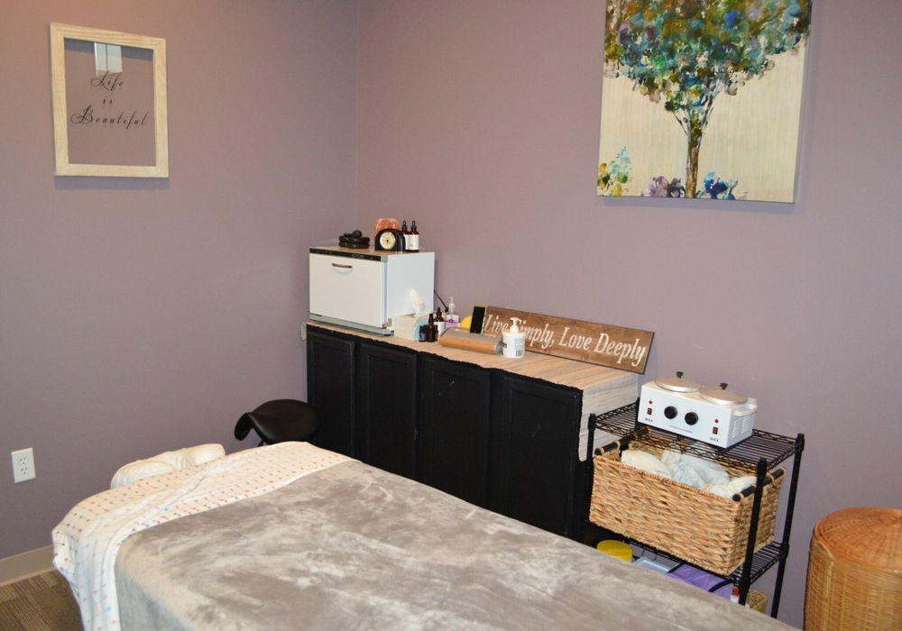 Bodyworks Massage & Wellness: 538 B Providence Rd, Brooklyn, CT