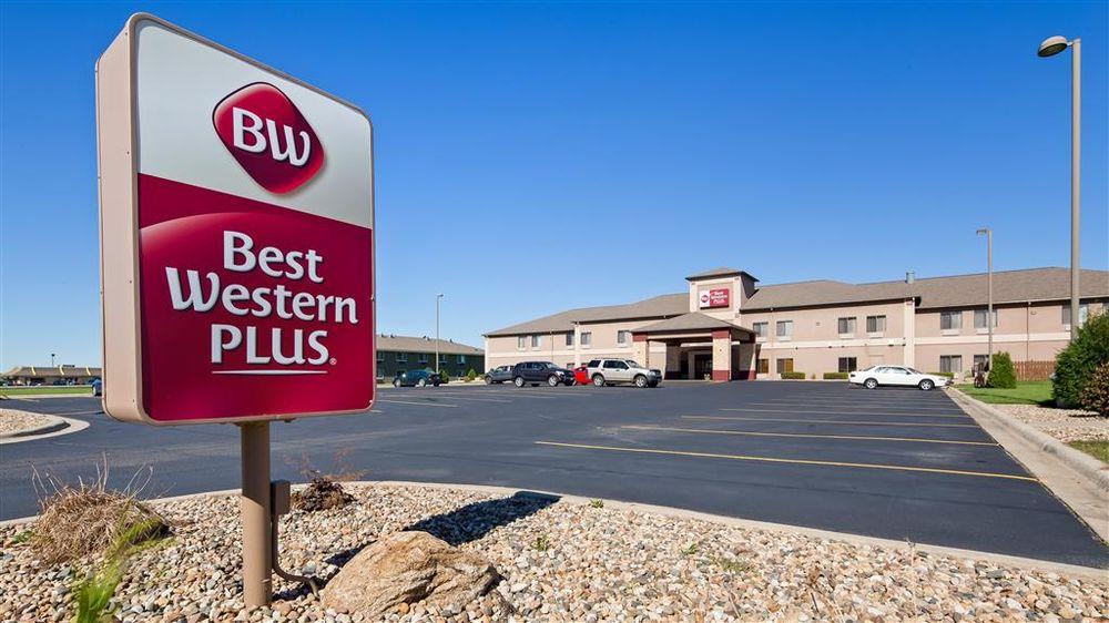 Best Western Plus Albert Lea I-90/I-35 Hotel: 821 E Plaza St, Albert Lea, MN