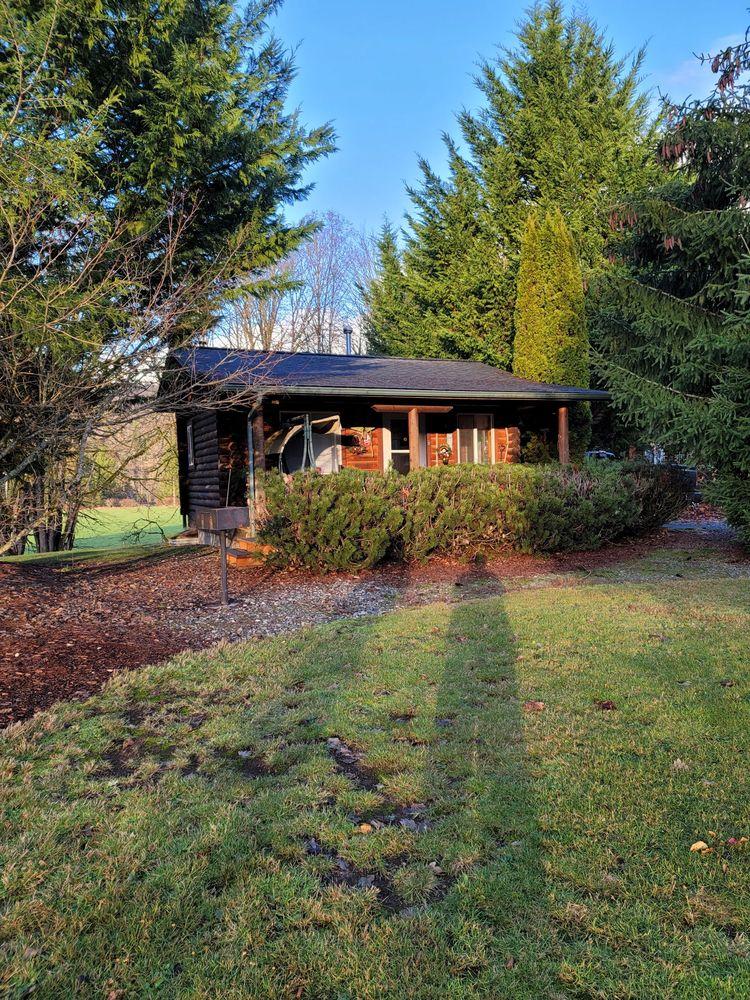 Ovenell's Heritage Inn: 46276 Concrete Sauk Valley Rd, Concrete, WA