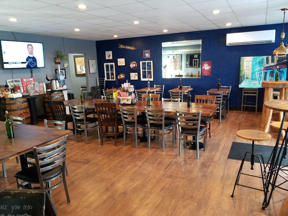 Center Street Eats: 2250 N Center St, Hickory, NC
