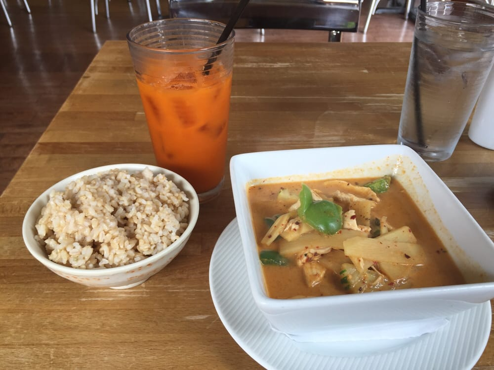 Red curry 5 star brown rice and thai tea yelp for 5 star thai cuisine