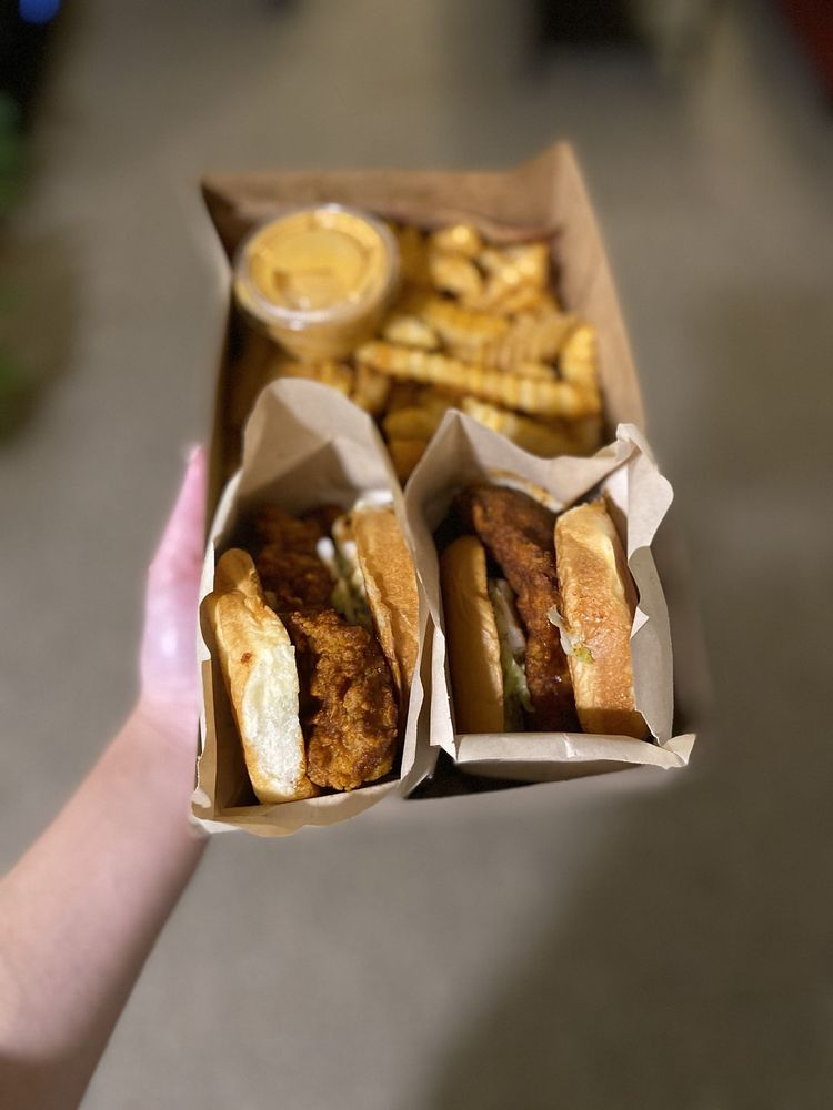 Food from Main Chick Hot Chicken