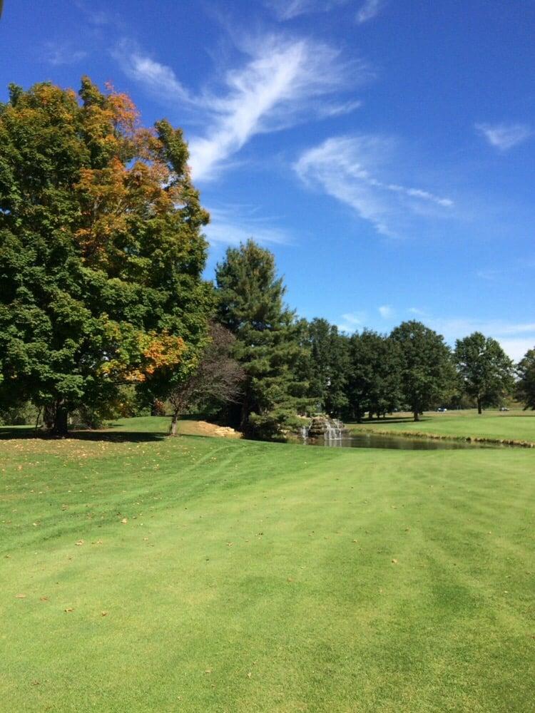 Wilkshire Golf Course: 10566 Wilkshire Blvd NE, Bolivar, OH