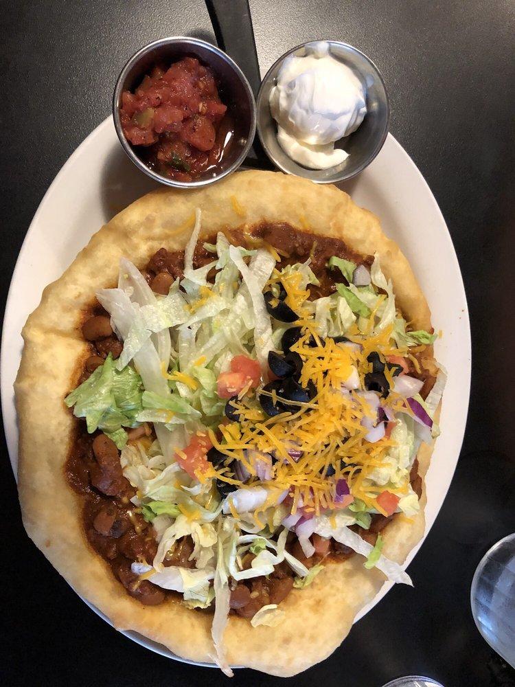 Twin Rocks Cafe: 913 E Navajo Twins Dr, Bluff, UT