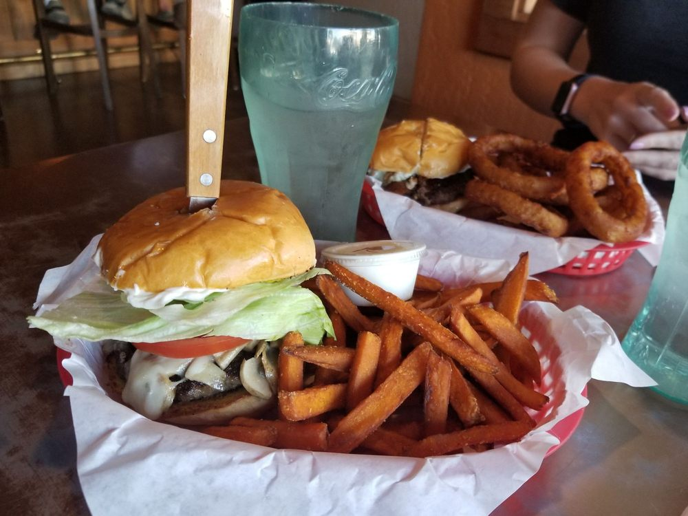 Busters Burgers and Brew: 150 S Main St, Willits, CA