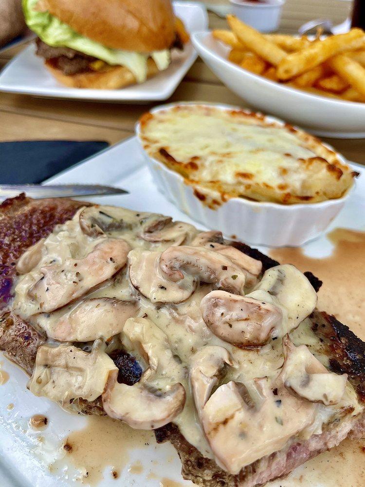 Finns Restaurant: 7635 Fairfax Dr, Reunion, FL
