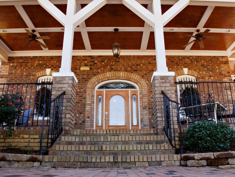 Villa DiMaio: 345 W Dora St, Angier, NC